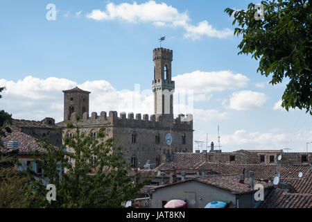 Volterra Tuscany Italy. View of Palazzo dei Priori the oldest town hall in Tuscany built 1208-1257 - Stock Photo