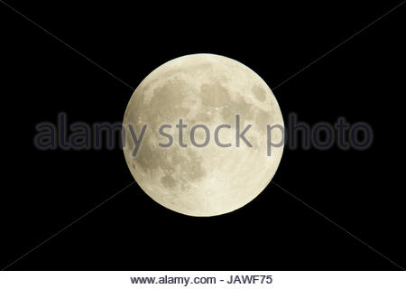 Total lunar eclipse of September 27, 2015 supermoon, the moon at its closest point to earth in its orbit. - Stock Photo