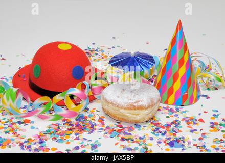 krapfen, kreppel, fastnacht, karneval, luftschlange, luftschlangen, girlande, symbolbild, girlanden, konfetti, süß, - Stock Photo