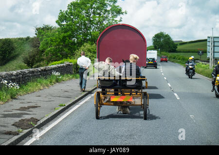 Travellers on the road to Appleby Horse Fair Cumbria June 2017 - Stock Photo
