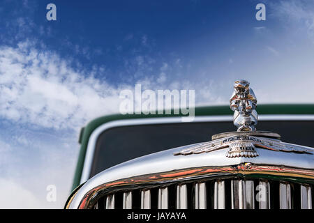 New Delhi, India - February 6, 2016: Front lower angle of a oldtimer Jaguar Mark V 4-door Saloon, 1949 model in - Stock Photo