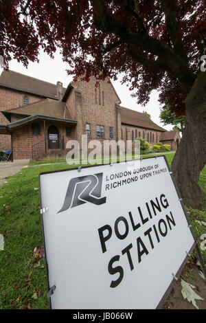 London, UK. 08th June, 2016. Polling Station, Richmond Park and North Kingston Constituency. Credit: Expo Photo/Alamy - Stock Photo