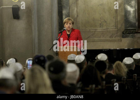 Buenos Aires, Argentina. 08th June, 2017. German chancellor Angela Merkel gives a speech during her visit to sinagoge - Stock Photo