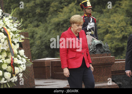 Buenos Aires, Argentina. 08th June, 2017. German chancellor Angela Merkel attends a floral trinute to San Martin - Stock Photo
