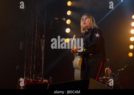 Isle of Wight. 8th Jun, 2017. Mike Peters with The Alarm at The Isle of Wight Festival 2017 Credit: James Houlbrook/Alamy - Stock Photo