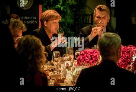 Buenos Aires, Argentina. 08th June, 2017. German Chancellor Angela Merkel (CDU, C) sits next to Argentina's President - Stock Photo