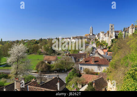 France seine et marne the city of provins listed world for Chateau landon piscine