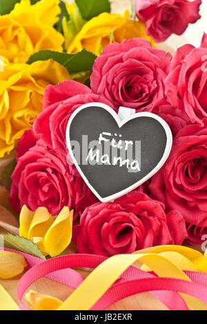Geschenk mit herz und rosen zum geburtstag muttertag oder for Gelbe tafel