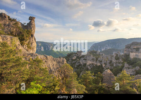 France, Aveyron (12), la Roque-Sainte-Marguerite, chaos de Montpellier-le-Vieux, au loin les gorges de la Dourbie - Stock Photo