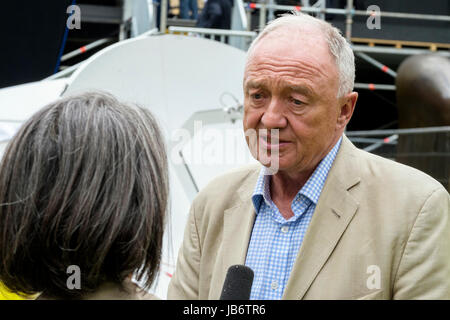 London, UK. 9th June, 2017. Former London Mayor and Labour MP, Ken Livingstone is interviewed by television crew - Stock Photo