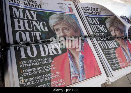 London, UK. 9th June, 2017. The London Evening Standard newspaper front page on the day after the UK General Election - Stock Photo