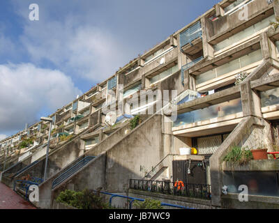 LONDON, ENGLAND, UK - MARCH 04, 2009: The Alexandra Road estate designed in 1968 by Neave Brown applies the terraced - Stock Photo