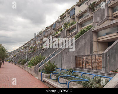 LONDON, ENGLAND, UK - JUNE 20, 2011: The Alexandra Road estate designed in 1968 by Neave Brown applies the terraced - Stock Photo