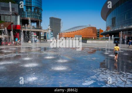 Italy, Lombardy, Milan, Gae Aulenti Square, Fountain - Stock Photo