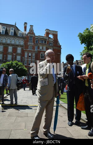 Ken Livingston on College Green the day after the 2017 General Election. - Stock Photo