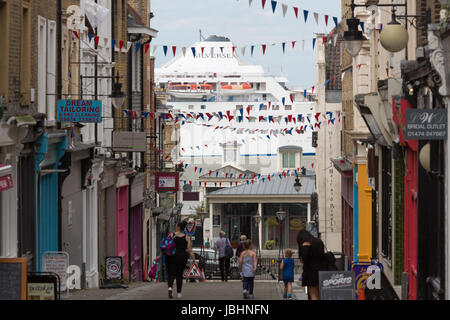 Gravesend, United Kingdom. 11th June, 2017. Silver Wind passes the historic High Street of Gravesend in Kent. In - Stock Photo