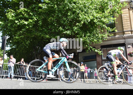 Trafalgar Square, London, UK. 11th June 2017. Cyclists on the  Women's Tour of Great Britain, London stage. Credit: - Stock Photo