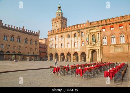 BOLOGNA, ITALY - MARCH 16, 2014: Palazzo Comunale and Piazza Maggiore square in Sunday morning. - Stock Photo