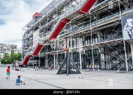 PARIS  FRANCE CENTRE BEAUBOURG MODERN ART MUSEUM IN THE VERY POPULAR AREA OF LES HALLES  © Frédéric BEAUMONT - Stock Photo