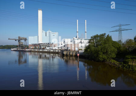 The power plant Tiefstack (Vattenfall) in Hamburg provides 270.000 households with electricity and district heating - Stock Photo