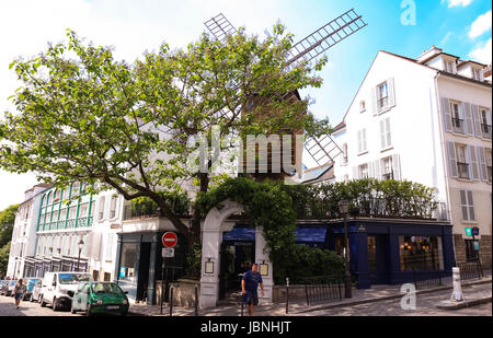 le consulat restaurant in montmartre paris france stock photo 14655576 alamy. Black Bedroom Furniture Sets. Home Design Ideas