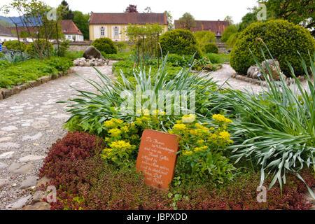 Kräutergarten im Kloster Benedikbeuern, gestaltet als Schaugarten, Kräuterspirale,  Meditationsgarten und Oase der - Stock Photo