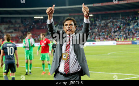 Belgrade. 11th June, 2017. Wales's head coach Chris Coleman gestures to fans after group D 2018 World Cup qualifying - Stock Photo