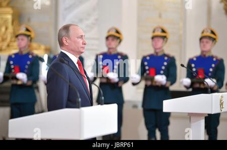 Moscow, Russia. 12th June, 2017. Russian President Vladimir Putin stands during an awards ceremony presenting the - Stock Photo