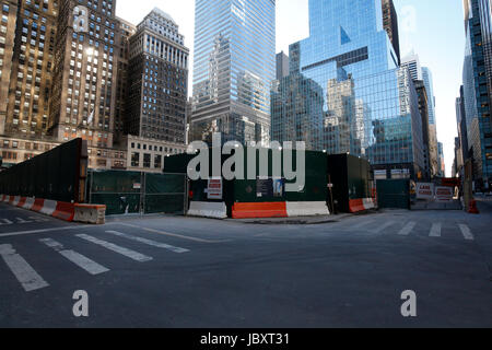 building construction area in Midtown Manhattan - Stock Photo