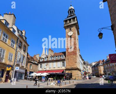 France, Allier (03), Moulins, la tour Jacquemart // France, Allier, Moulins, Jacquemart Tower - Stock Photo
