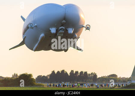 Cardington, Bedfordshire, UK. 13th June, 2017. The Hybrid Air Vehicles Airlander 10 continues it's 2017 flight test - Stock Photo