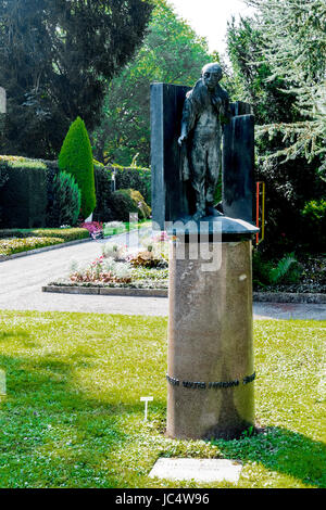 Grab von Walter Mehring auf dem Friedhof Sihlfeld in Zürich; Walter Mehring, Grave cemetery Sihlfeld, Zurich - Stock Photo
