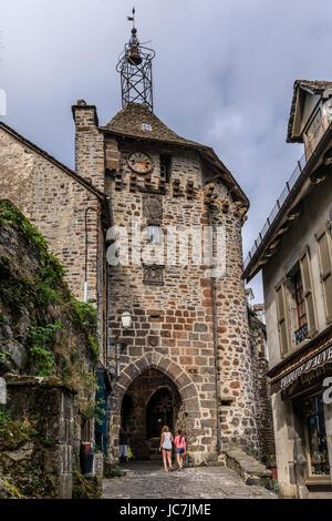 France, Cantal (15), Salers,  labellisé Les Plus Beaux Villages de France , la Porte du Beffroi // France, Cantal, - Stock Photo