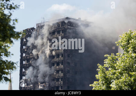 Grenfell Tower Fire London, UK. 14th June, 2017. Credit: Andy Morton/Alamy Live News. - Stock Photo