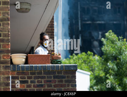 London, UK. 14th Jun, 2017. Grenfel Tower fire neighbourhood Credit: Karolina Webb/Alamy Live News - Stock Photo