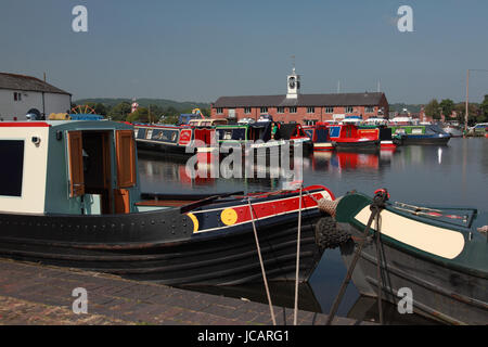 Traditional narrowboats moored in Stourport Basin on the Staffs and Worcs Canal in the town of Stourport on Severn - Stock Photo