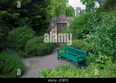 On Chamberlain Road in Edinburgh is a small garden with a gated entrance to the mausoleum of John Livingston, who - Stock Photo