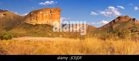 The Brandwag Buttress in the Golden Gate Highlands National Park, South Africa. Photographed in late afternoon sunlight. - Stock Photo