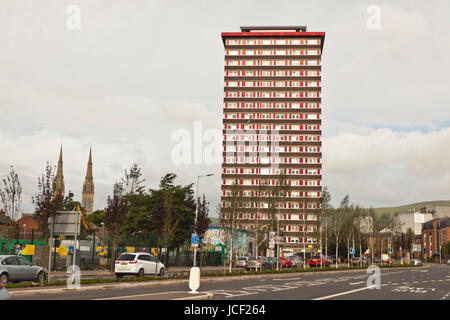 Belfast, UK. 15th June, 2017. In the Wake of the Grenfell Tower Block fire in London the Northern Ireland Housing - Stock Photo