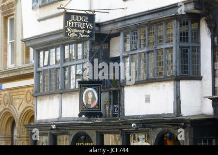 Dorchester, UK. 15th June, 2017. Judge Jeffreys restauant and coffee house, on a sunny day in Dorchester Credit: - Stock Photo