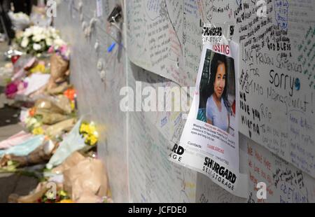 London, UK. 16th June, 2017. Floral tributes and messages near the scene of the fire at Grenfell Tower in London, - Stock Photo