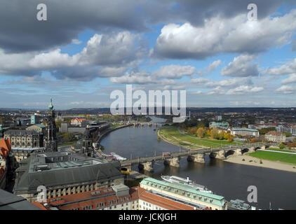 elbe, dresden, stadt, sachsen, deutschland, großstadt, fluss, elbufer, tiefblick - Stock Photo