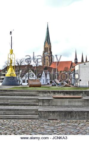 Der St. Petri Dom in Schleswig - Die Südseite vom Hafen aus fotografiert. - Stock Photo