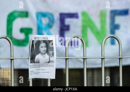 London, UK. 16th June, 2017. Posters for missing residents two days after the tragic fire at Grenfell Tower in west - Stock Photo