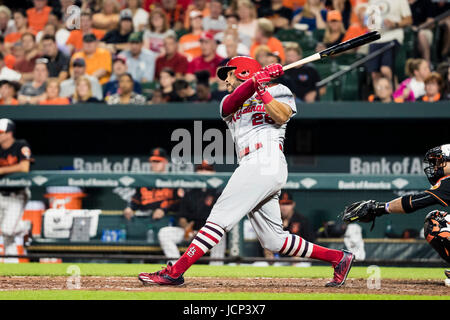 Baltimore, Maryland, USA. 16th June, 2017. St. Louis Cardinals center fielder Tommy Pham (28) hits a homerun during - Stock Photo