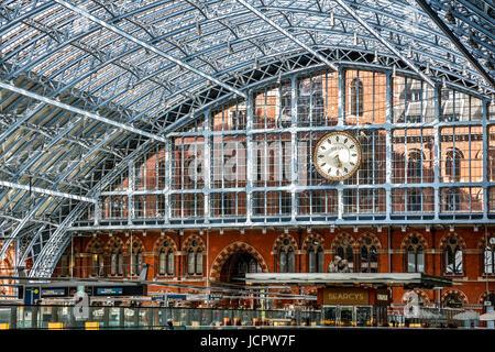 Terminal, St. Pancras Railway Station, London, England, United Kingdom - Stock Photo