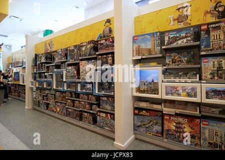 Lego Star Wars boxes Stock Photo: 129812941 - Alamy