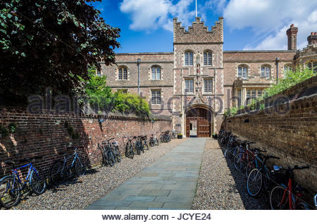 The entrance to Jesus College Cambridge, part of the University of Cambridge. The entrance is known as the Chimney. - Stock Photo