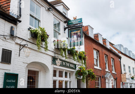 Greene King pub 'Hole in the Wall', St Martin's Street, Chichester, a city in and county town of West Sussex, south - Stock Photo