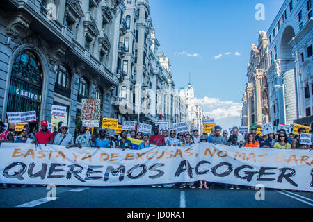 Madrid, Spain. 17th June, 2017. demonstration in favor of the refugees 'queremos acoger' in Madrid, spain Credit: - Stock Photo